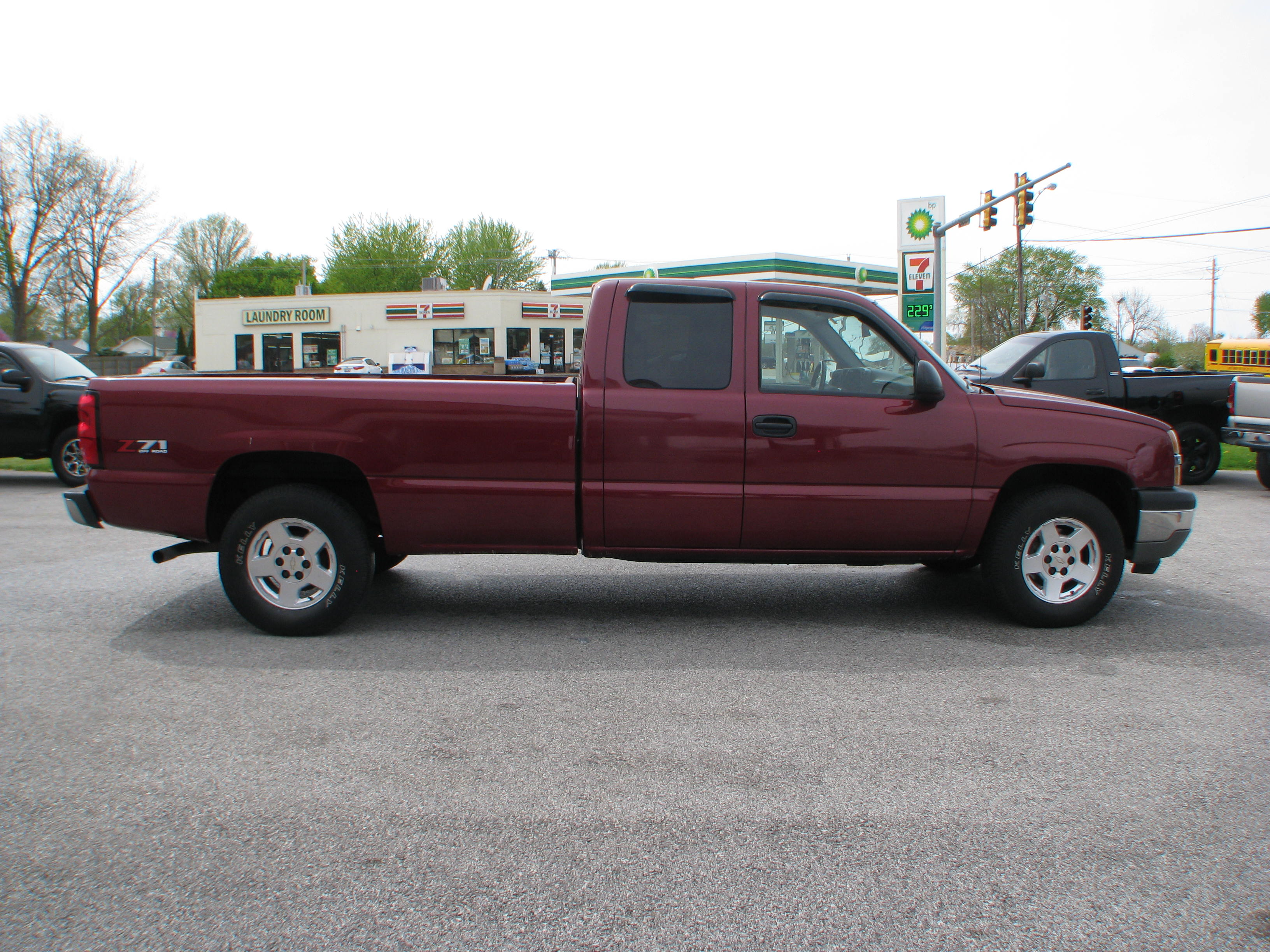 Pre owned 2005 chevrolet silverado 1500 4wd ext cab z71