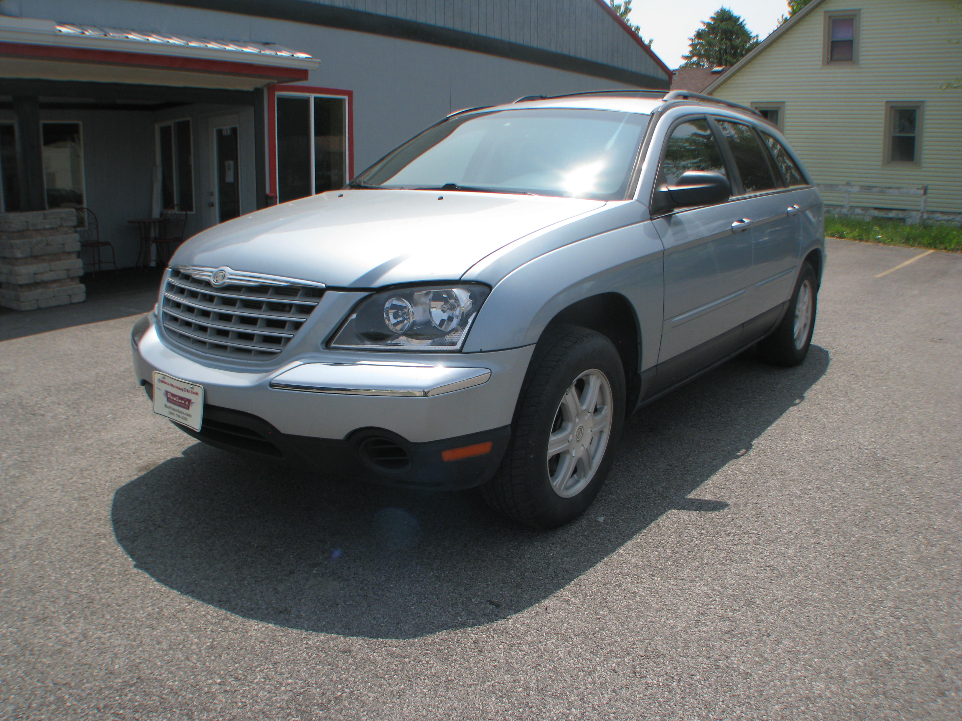 pre owned 2005 chrysler pacifica 4d suv fwd touring. Black Bedroom Furniture Sets. Home Design Ideas